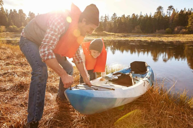 A Guide to the Best Kayak for Kids: 10 Top Picks [Reviewed]